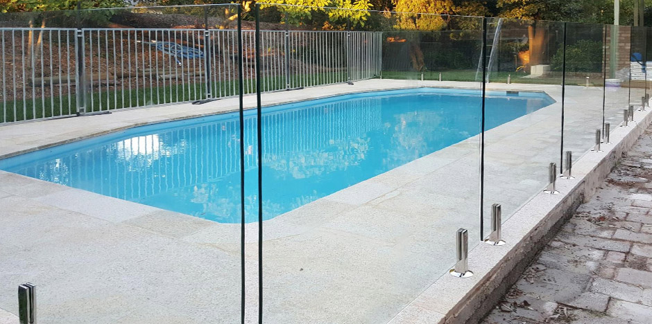 Stylish Frameless Glass Pool Fencing - Diabacor does it work